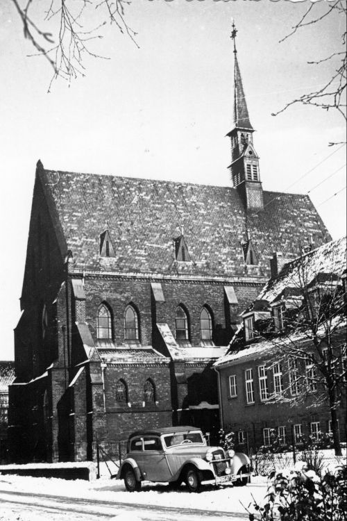 Die alte katholische Pfarrkirche. Foto: Sammlung Irrek