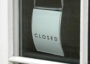 Viele Geschäfte durften am Sonntag zum Brunnenfest nicht öffnen. Foto: Anna-Lena Ramm  / pixelio.de