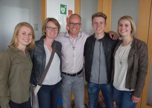 Ein Familienmensch: Martin Sträßer wurde ins Kreishaus von Ehefrau und Kindern begleitet. Foto: TME
