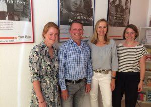 """Das Team der """"pro familia""""-Beratungsstelle (v.l.): Nora Diecks, Andreas Müller, Mona Lauer und Dr. Anne Wichmann. Es fehlt auf dem Bild Ruth Göbel. Foto: TME"""