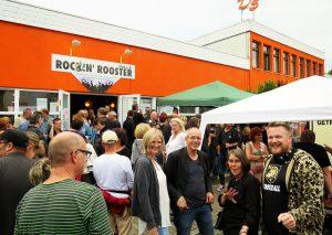 """Foto: Ausgelassene Stimmung beim """"Holy Hall Festival"""" des Rockin' Rooster Clubs. Foto: TME/Heiko Richartz"""