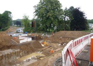 Für die Verlängerung der S28 müssen in Dornap tiefe Löcher gegraben werden. Foto: TME