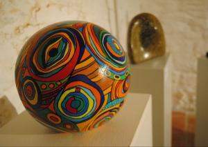 """Die Künstlergruppe """"UNART"""" stellt im Kunsthaus aus. Foto: TME"""