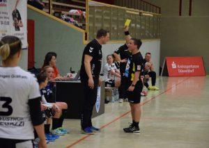 Der Schieri zeigt Trainer Faßbender Gelb. Foto: TME