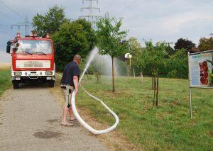 Bürgervereins-Mitglied Thomas Kluke rückte mit seinem Feuerwehr-Oldtimer an. Foto: privat