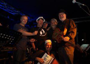 """Bluesrock mit Funk und Jazz zu deutschsprachigen Texten boten """"Bigges Best"""". Foto: TME"""
