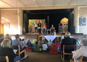 Auch im Gottesdienst zeigte das Team der evangelischen Jugend ihr schauspielerisches Können. Foto: privat