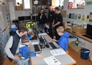 Der Bereich MakerSpace stößt bei den Besuchern der FASW auf großes Interesse. Foto: TME