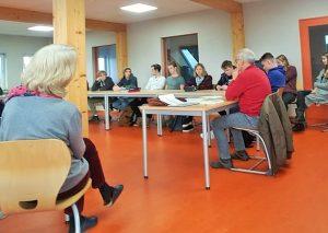 MdL Martin Sträßer hat mit Schülern der FASW diskutiert. Foto: PR Sträßer