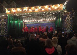 Die Tanzschule Krauss gestern Abend auf dem Blotschenmarkt. Foto: TME