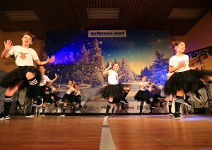 """""""Winter Wonderland"""" - die Tanzshow von ME-Sport. Foto: Roland Lausberg/Romdlarg Photos"""