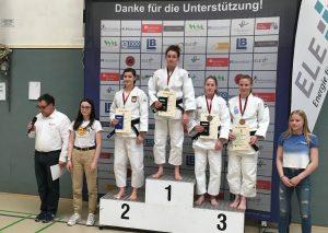 Sophie Püchel (3.v.l.) kämpfte sich auf einen stattlichen zweiten Platz. Foto: TBW
