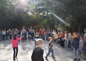 Parkschüler bereiten sich auf ihren Auftritt vor. Foto: TME